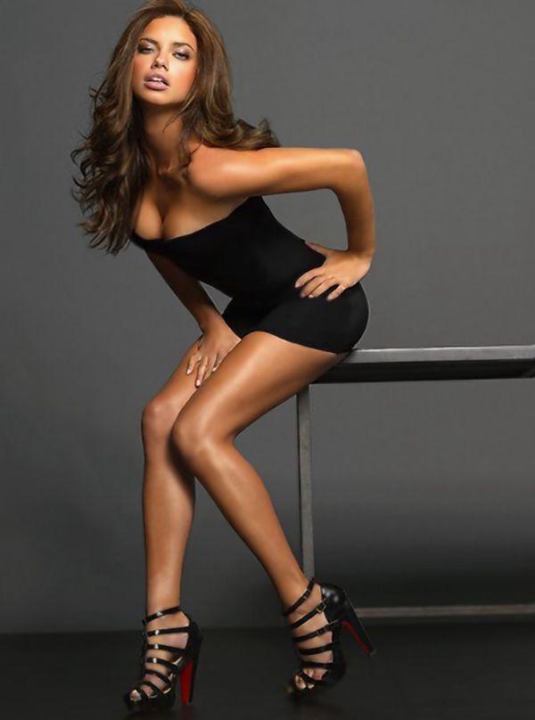 Latina Sexy Legs 64
