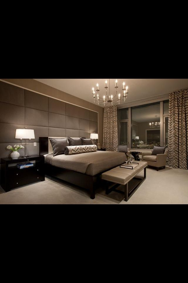 Modern bedroom, love it! Love how the focus wall is the wall the bed is on :)
