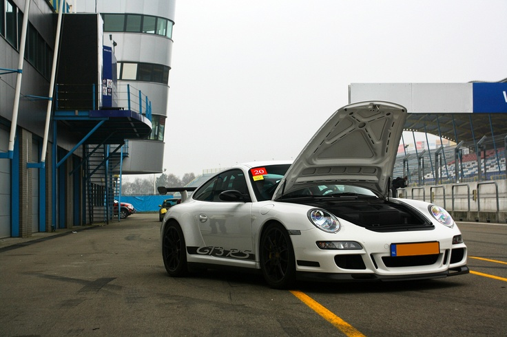 Porsche 997 GT3 RS in the Pitlane of the TT circuit Assen By Pascallll