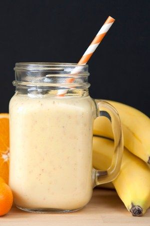 Power up for a run with this muesli smoothie - 5 perfect pre-run breakfasts - Runner's World