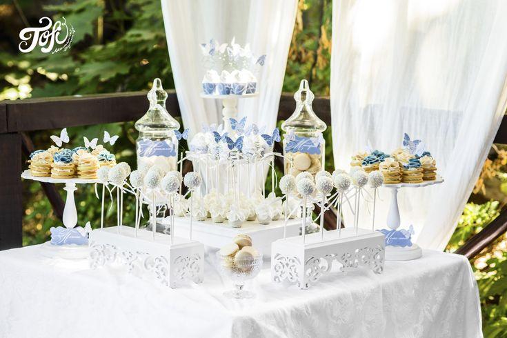 Бело-голубой десертный стол