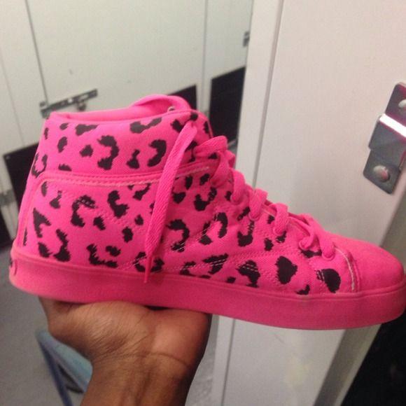 Reebok Tyga Shoes Pink cheetah print Tyga Reebok shoes! Reebok Shoes