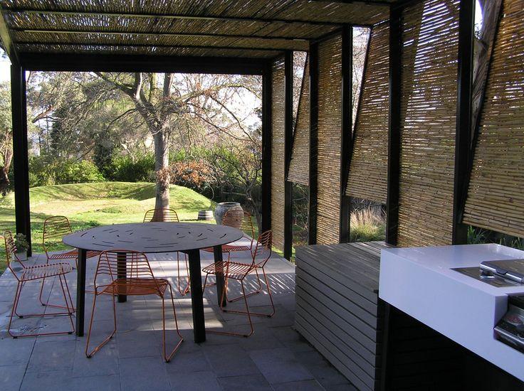 Outdoor Kitchen.  Bird de la Coeur Architects - McBride House Photo: Graham McBride