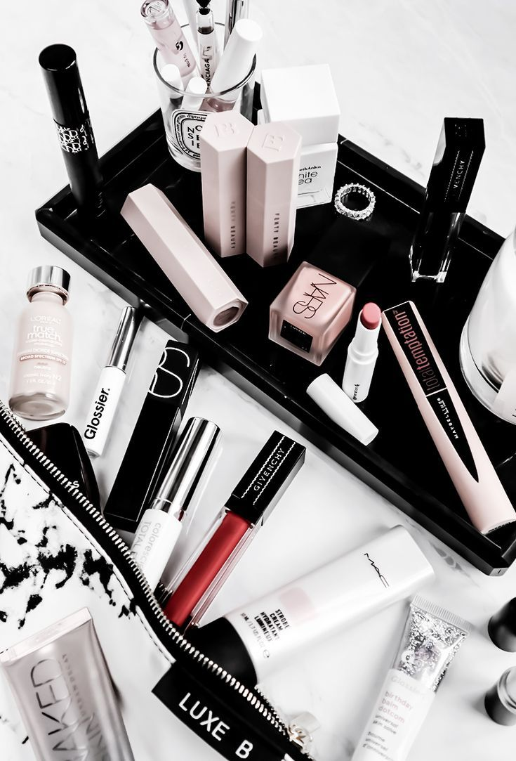What's in My Makeup Bag January Produit de maquillage