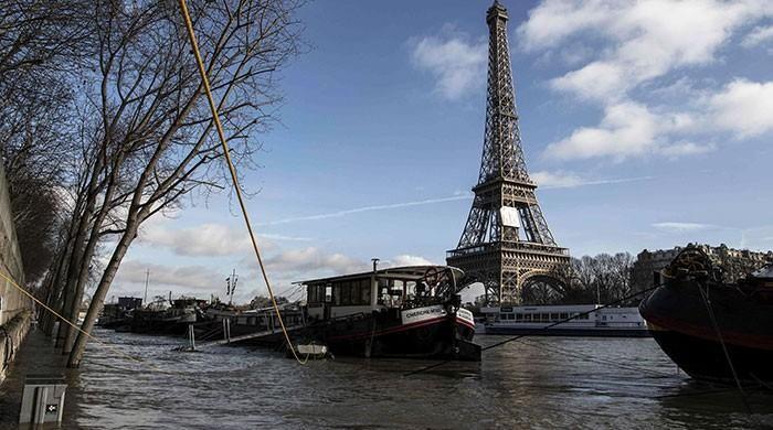 Parisians brace for flooding risks as Seine creeps higher