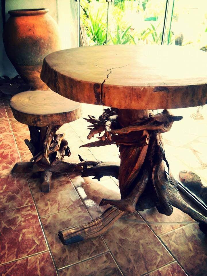 https://flic.kr/s/aHsk5xG2yf | Do Lado de Lá - Galeria de Arte | Do Lado de Lá é o mais nova galeria de arte em Pirenópolis, com decorações e móveis artesanais de fabricação própria e peças selecionadas da Ásia.