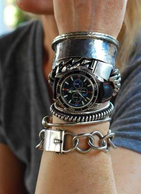 Big Chunky bracelets with the big Watch..