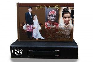 Album Kolase Harga Murah – Jasa Cetak Wedding Book Online  Album Kolase Murah | Dalam mengabadikan moment terindah dalam hidup anda, yaitu pernikahan. Sudah menjadi kewajiban tersendiri membuat album foto pernikahan anda.