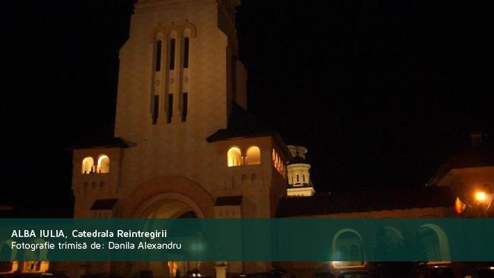 Alba Iulia, Catedrala Reintregirii noapteaPoza trimisa de catre Danila Alexandru  28 de poze frumoase cu orase din Romania (partea 2).  Vezi mai multe poze pe www.ghiduri-turistice.info