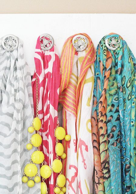 DIY Scarf Hanger - cute storageJewelry Hangers, Home Accessories, Diy Jewelry, Diy Accessories, Jewelry Organic, Accessories Organic, Scarf Hangers, Diy Scarf, Diy Projects