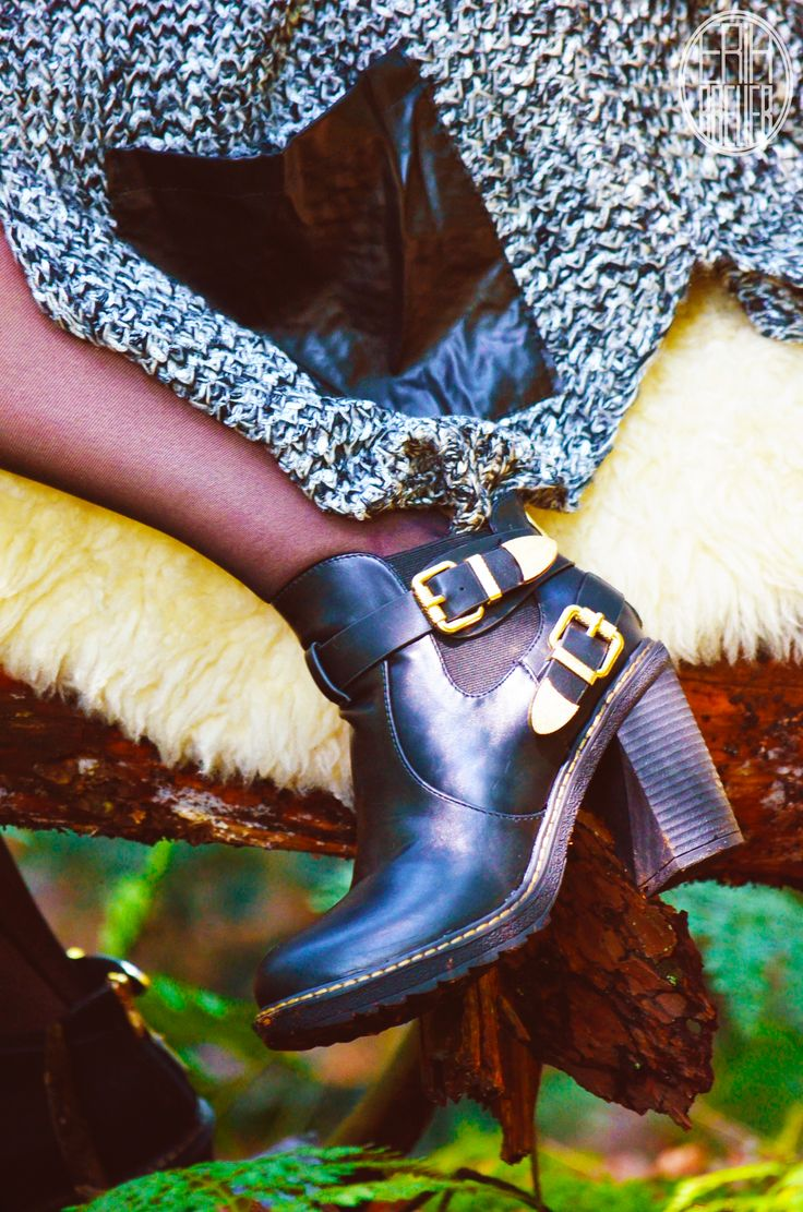 Putting on fierce boots is an instant pick-me-up - Your Wishes Fotoshoot