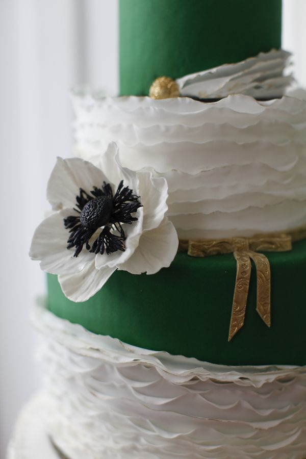 Color Esmeralda - Emerald Green!!! Wedding Cake