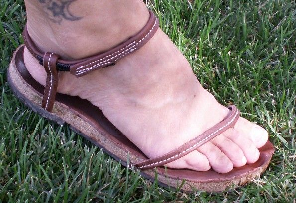 Barefoot_sandal_w_Ankle_strap.jpg (595×409)