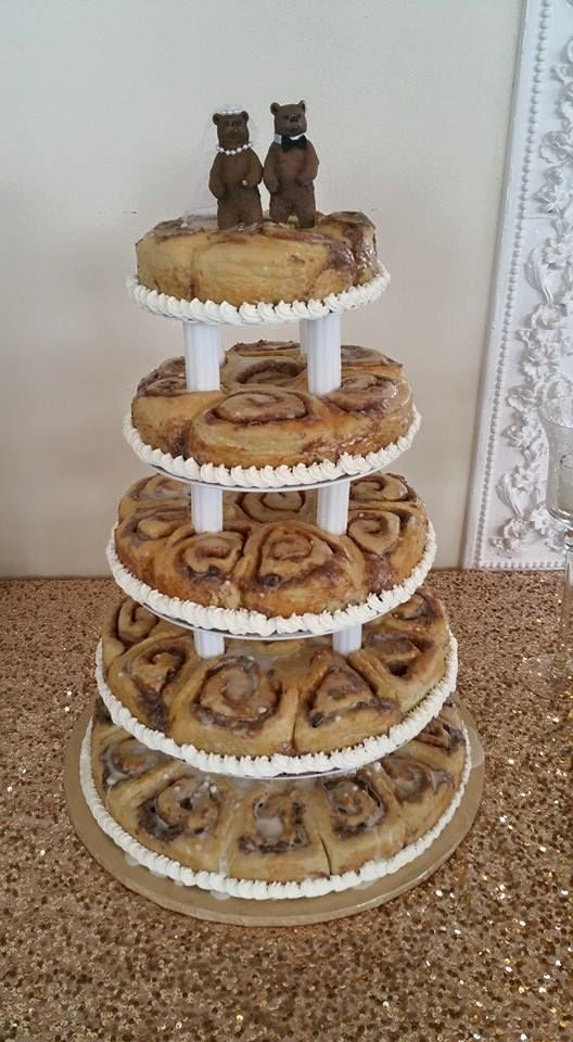 cinnamon bun wedding cake recipe grooms cinnamon roll cake teri wedding 12870