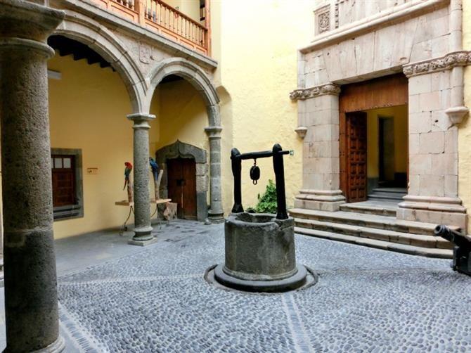 Inner courtyard, Casa de Colón, Las Palmas de Gran Canaria