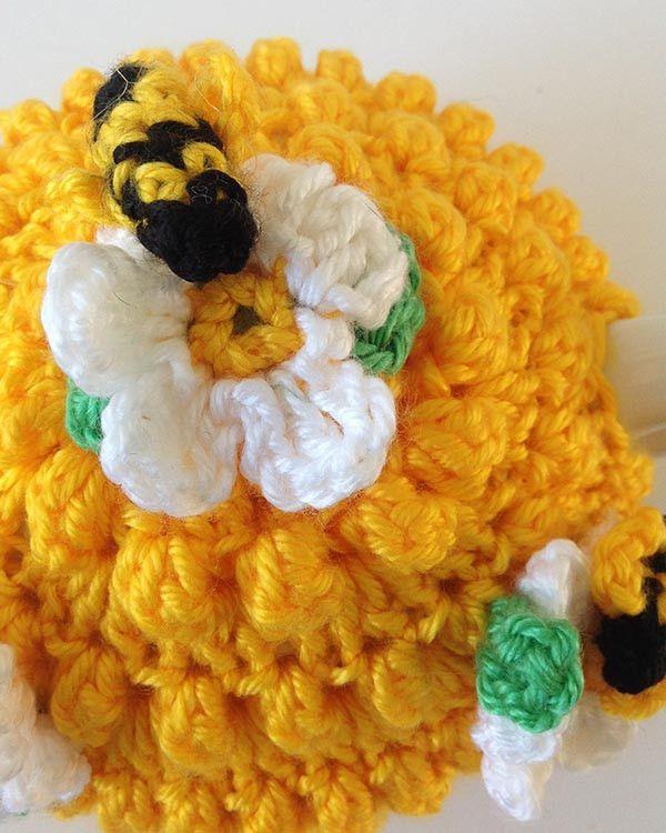 Amigurumi Bee Girl Free Pattern : 1000+ ideas about Crochet Bee on Pinterest Crocheting ...