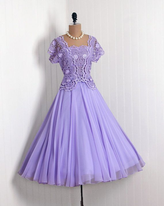 "PURPLE 1950's ""Werle"" Beverly-Hills Custom Couture-Boutique Label  *Ethereal Lavender-Purple Lined Broad-Lace  Nylon-Chiffon  *Chic Low-Cut Scalloped Plunge Short-Sleeve Illusion Bodice  *Matching Circle-Skirt Nipped-Waist Princess Full Circle-Skirt"