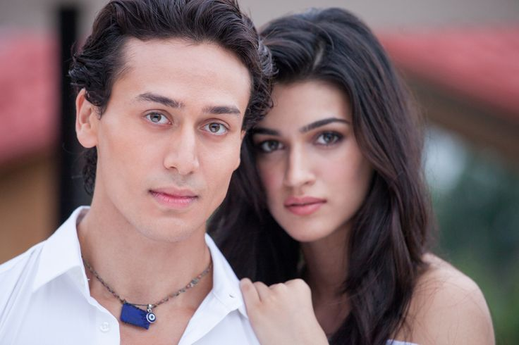 Tiger Shroff regularly calls the Nagpur zoo authorities to check on his tigress Lee. Tiger, who adopted a tigress at the Nagpur zoo last year, finds the animal lucky for him. #tigershroff #tigershroffnews #heropanti
