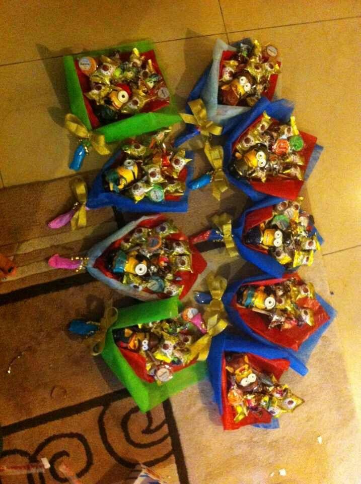 Minion Graduation Bouquet How Cute It Is Graduation