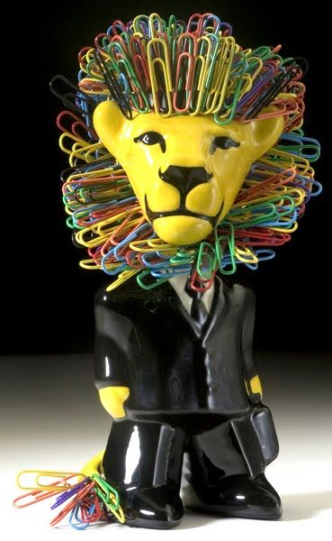 Lion magnetic paper clip holder. This would look very cute on your desk! #office #creative