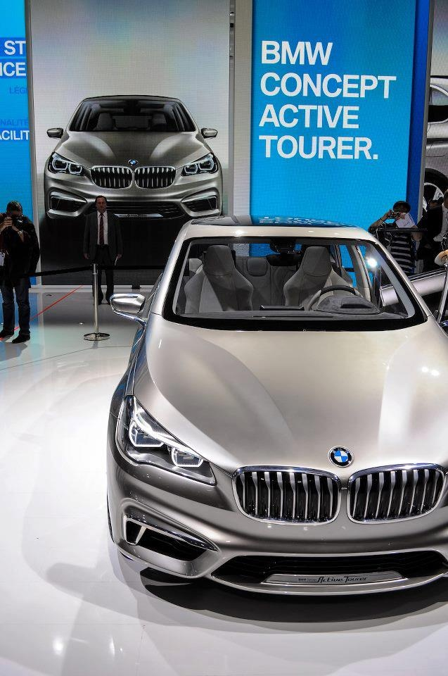 BMW Konsept Active Tourer Paris'te