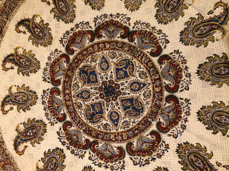 Traditional block-printed calico with natural dyes, Ideal for table top ,  interior design or any gift idea you have . HANDMADE ROUND TABLECLOTH size; 59X 59(150 x 150cm)  *** there is more size and design availeble !!! ***  Tapestry round tablecloth are wonderful quality accent pieces for the home