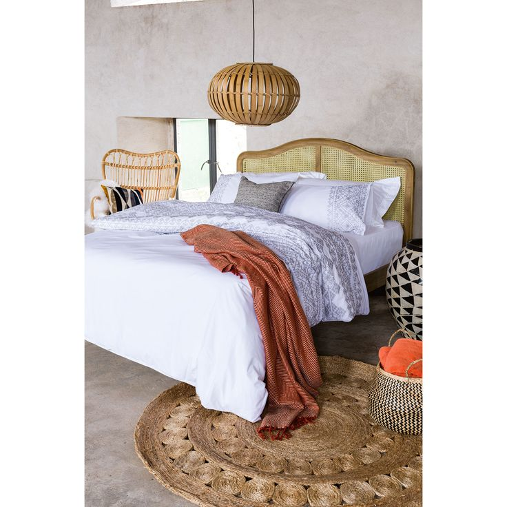 1000 ideas about earth tone bedroom on pinterest earth tones brown decor and color inspiration - Inspiring romantic bedroom decorations embracing mood in style ...