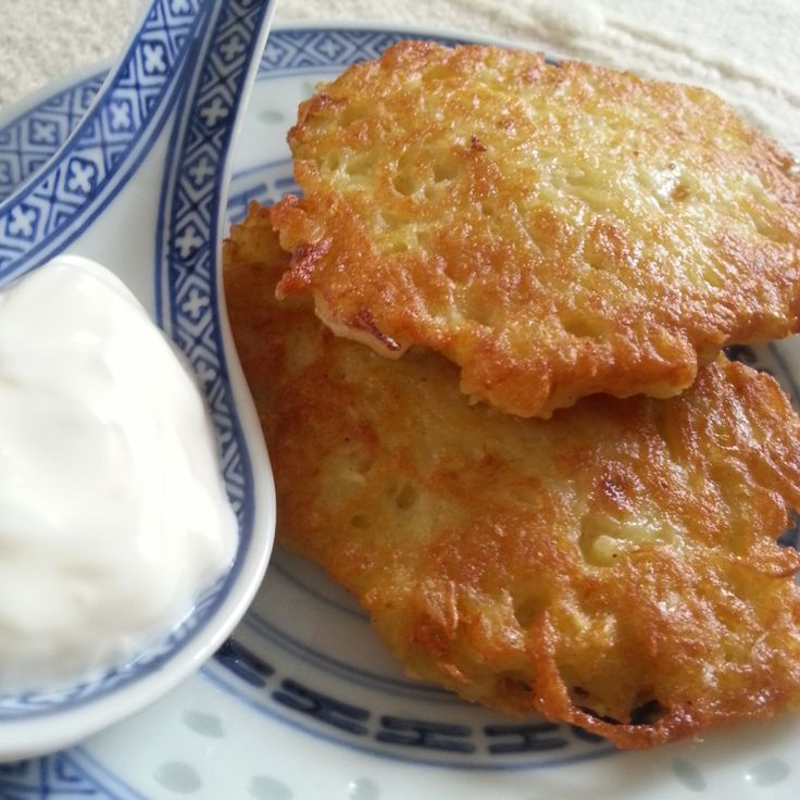 Potato pancakes are very easy to make. They taste the best with a spoon of sour cream and think salt. Some people in central Poland eat them with sugar.