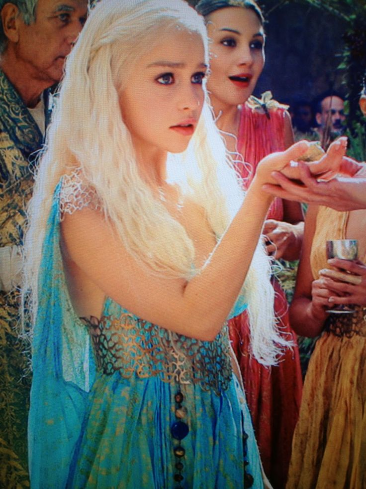 51 best images about comicon on pinterest for Daenerys targaryen costume tutorial