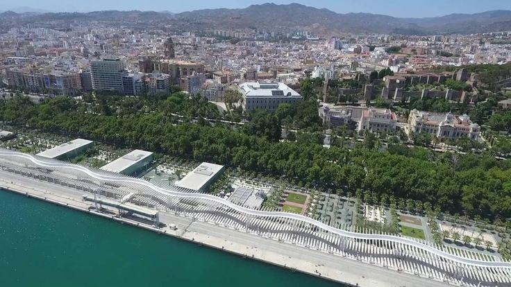 Sobrevolando la ciudad de Málaga http://alquilercochesmalaga.soloibiza.com/sobrevolando-la-ciudad-malaga/ #málaga