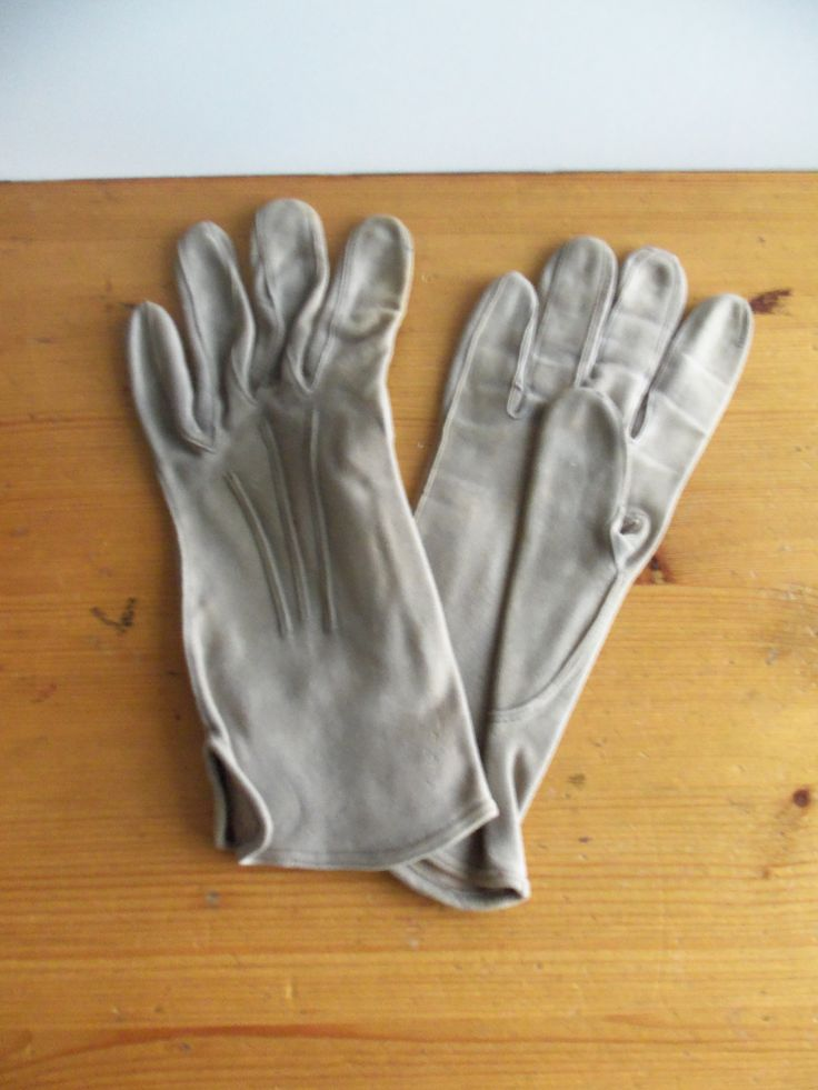 vintage gloves from the 1940