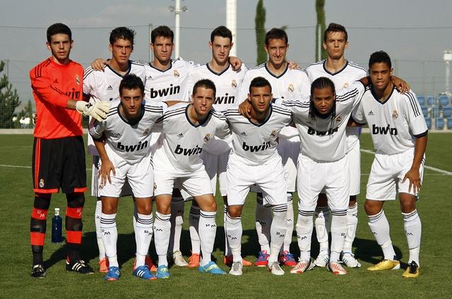 Alineacion del Real Madrid C      Real Madrid Club de Fútbol (Câu lạc bộ Bóng đá Hoàng gia Madrid)  http://thethaovip.vn/category/giay-da-bong-san-co-nhan-tao-nike-adidas/giay-dinh-dam-da-bong-nike-adidas/  http://thethaovip.vn