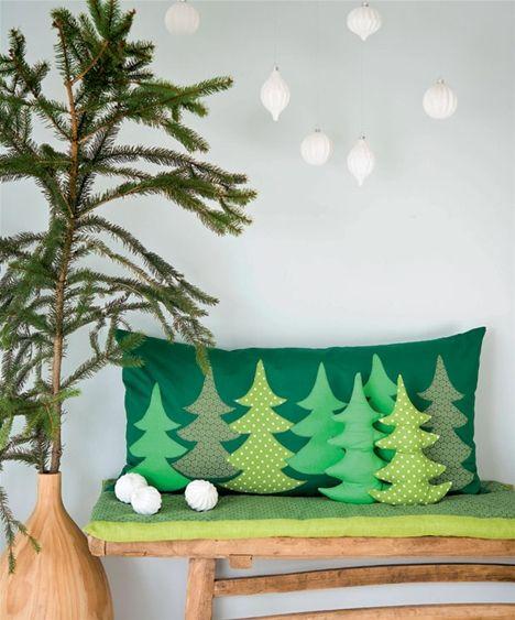 Sy en skøn pude med juletræer og fine pyntepuder i juletræsform - Hjemmet DK
