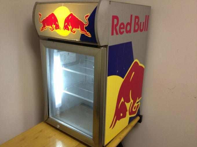 7f7c29e4ceec806e9a1f6d89b5aecacb mini fridge red bull best 25 red bull mini fridge ideas on pinterest mini fridge red bull mini fridge wiring diagram at suagrazia.org