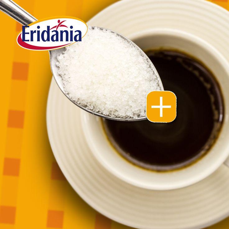 GRANELLA  Infine, l'ampia gamma delle granelle, ottenute per frantumazione di zucchero semolato in quadretti o per estrusione, è essenzialmente impiegata nella fase di decorazione. #zucchero #eridania #italia #granella