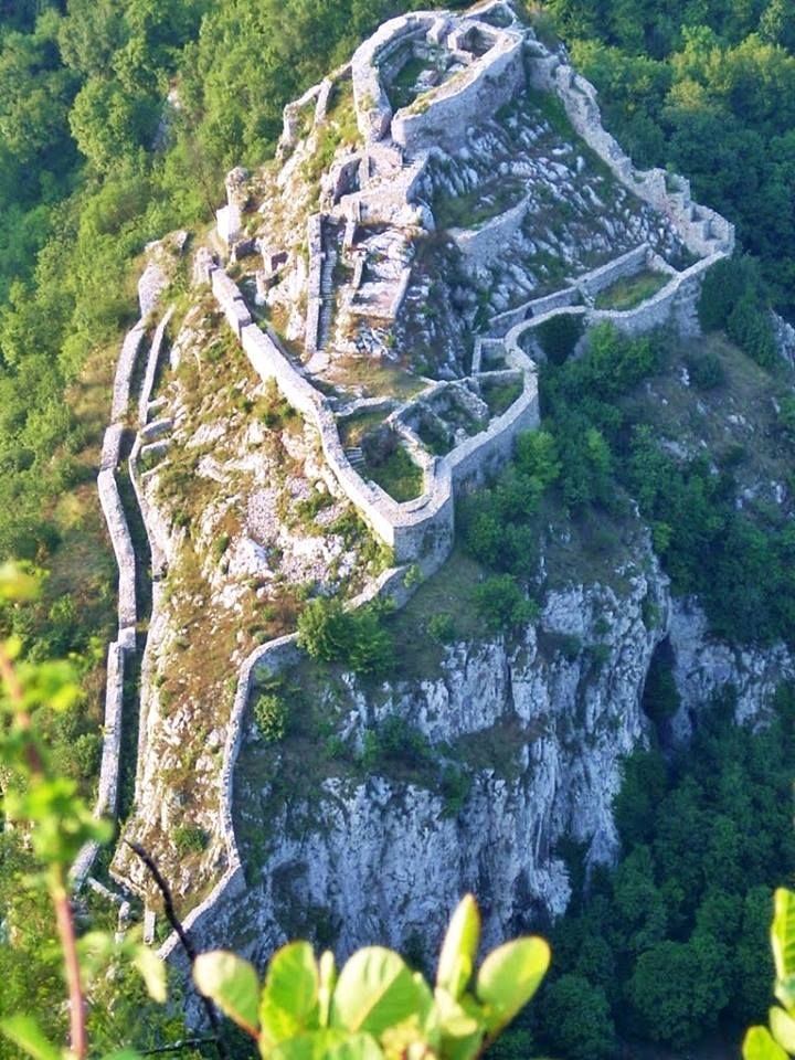 Beautiful view of the remains of Medieval Serbian Užice fortress, built in 14th century, located in present-day western Serbia. Strong castle is positioned on a large steep cliff, and surrounded on three sides by the river Đetinja.