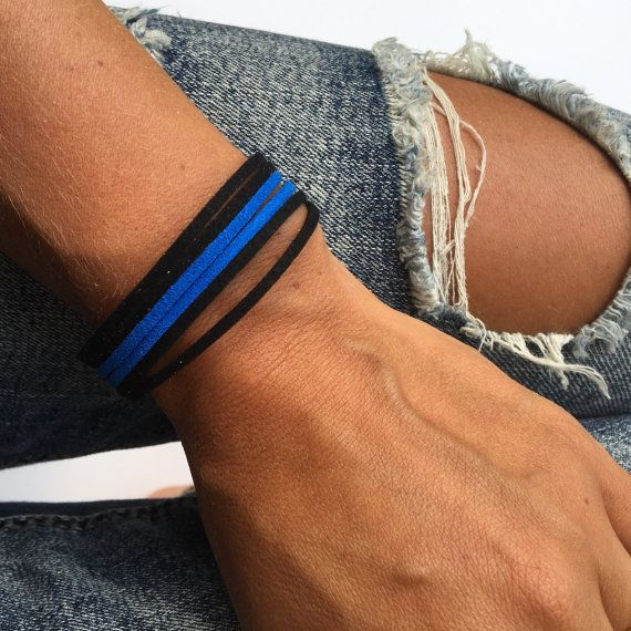thin blue line bracelet. support police offeicers by SmiLeStyles