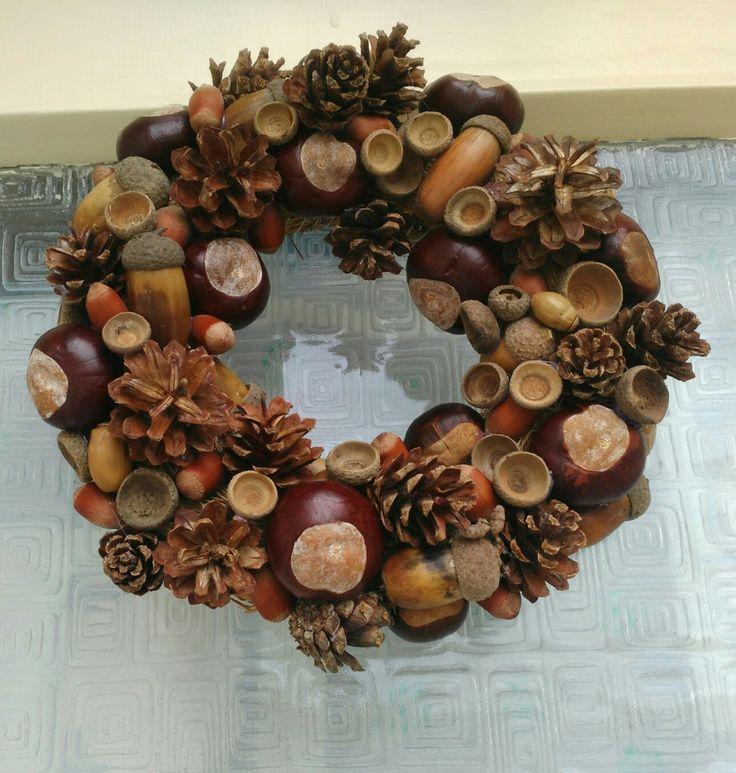 Autumn wreath. #fallwreath #pinecone #acorn #chestnut #hazel