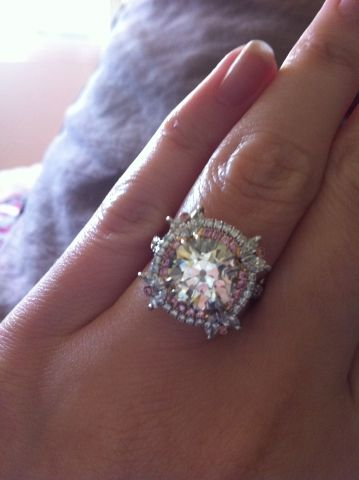 Images Of Engagement Rings On A Finger