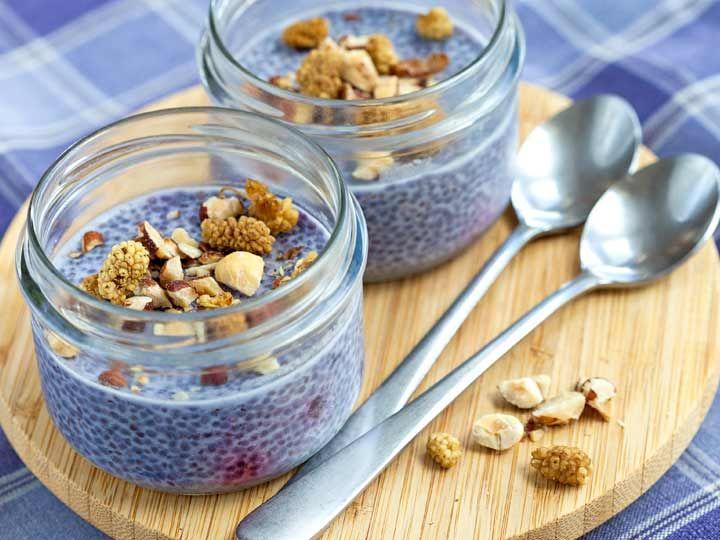 Lavendel-Blaubeer Chia Samen Pudding