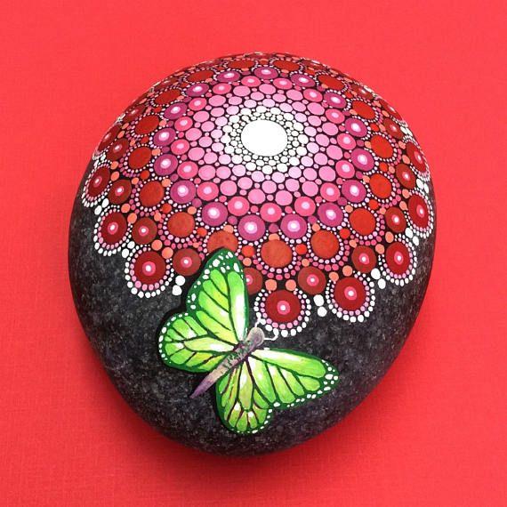 Mandala de mariposa piedra grande