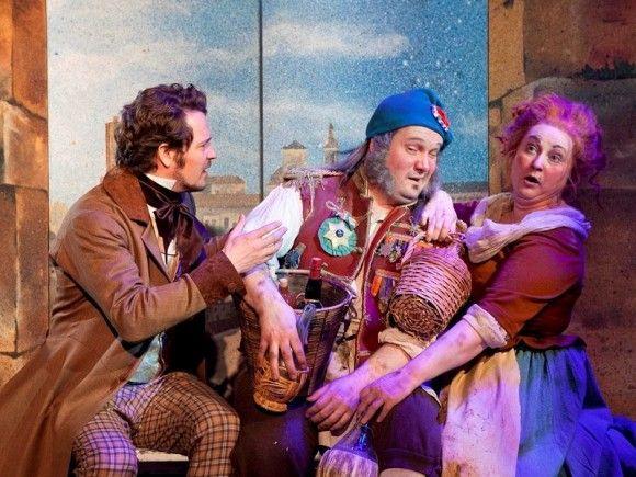 Amusa: Tampereen Teatteri kutsuu yleisöä näkemään ja kokemaan Les Misérables -suurmusikaalin tunnelmia pikkurahalla jo ennen ensi-iltaa