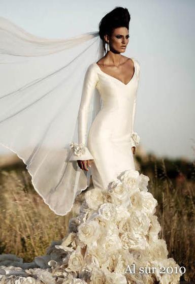 Красное свадебное платье в испанском стиле