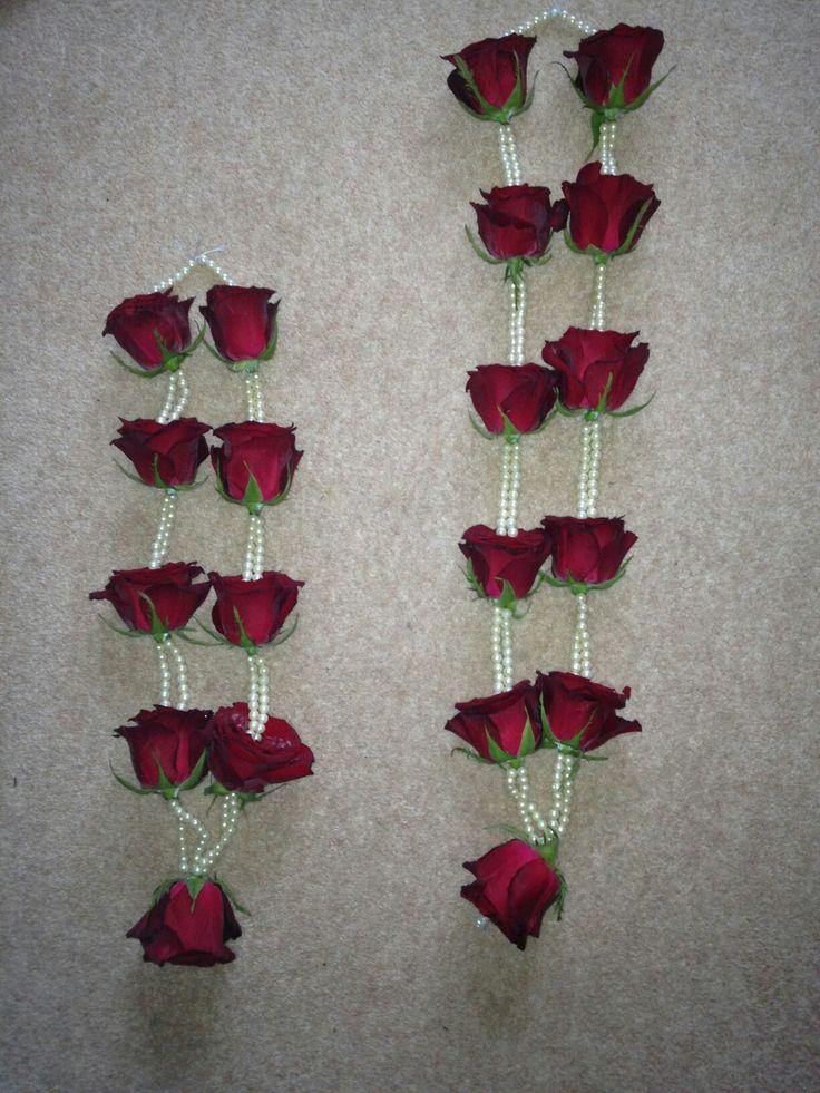 Fresh Roses And Pearl Garlands. Wedding GarlandsFlower ...