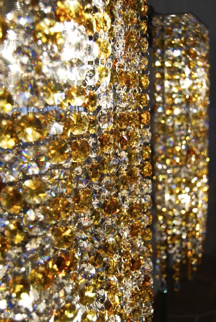 Lineawall Crystal Chandelier Manooi www.manooi.com #Manooi #Chandelier #CrystalChandelier #Design #Lighting #luxury #furniture #interior