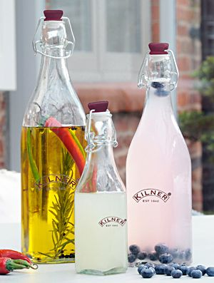 This set of 3 Kilner Preserve Bottles is a lovely addition to your kitchen, and a great way to store, and serve, in style. Use them for storing olive oil, home made cordials, infused oil, salad dressings, or for serving up drinks at a garden party. NOW ONLY £7.99!!