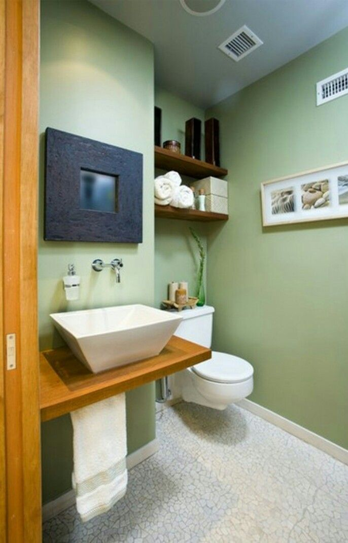 redo a small bathroom%0A Pale colors on the walls and floor tend to give the illusion of space   Avoid using strong colors except on accessories  towels and decorations