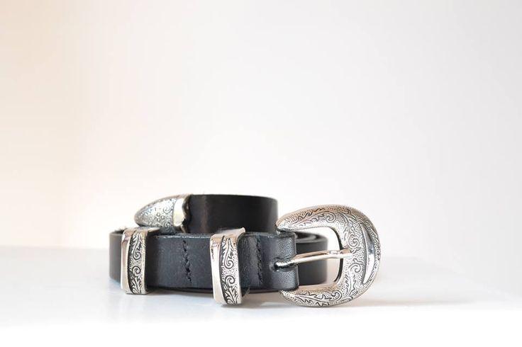 Cinturon de vaqueta natural en negro