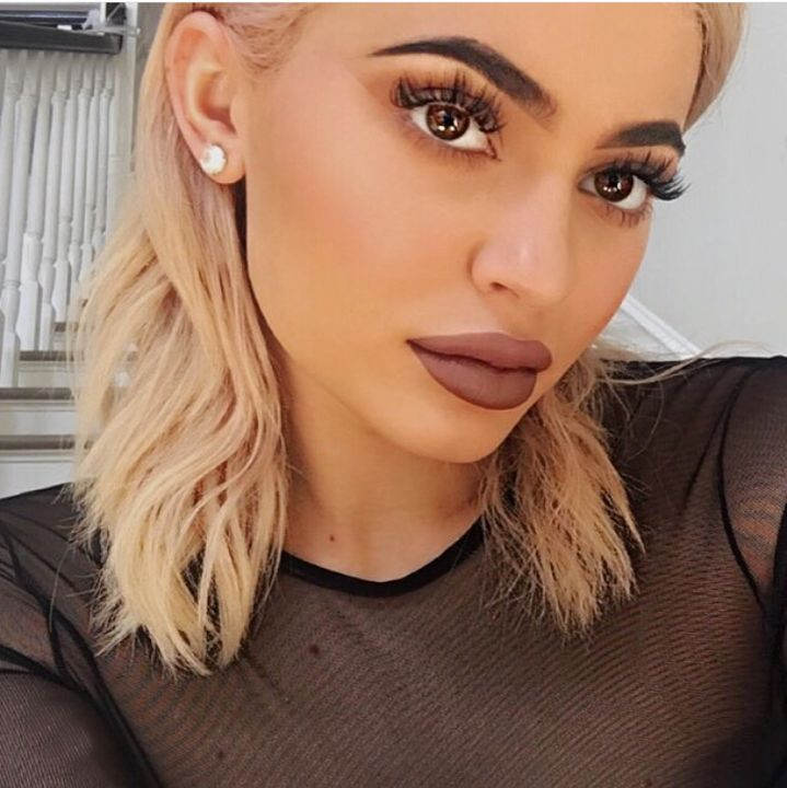 kylie jenner lip kit blond hair makeup tutorial #kyliejenner