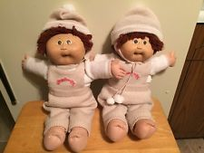 1978 CABBAGE PATCH KIDS TWINS AUBURN HAIR-Beige & White Outfits NICE